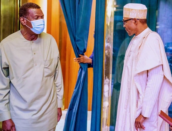 What Pastor Adeboye Did To Journalists In Aso Rock On Monday After Meeting Buhari